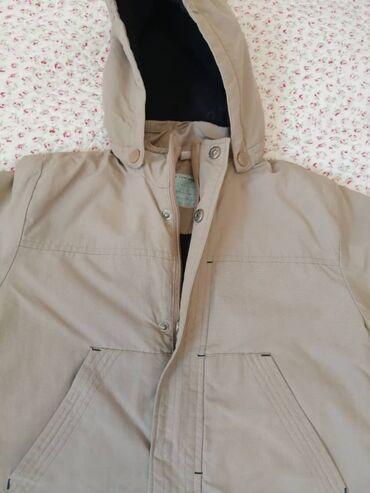 Куртка парка на мальчика 3-4 года, фасон модный, на ребенке смотрится