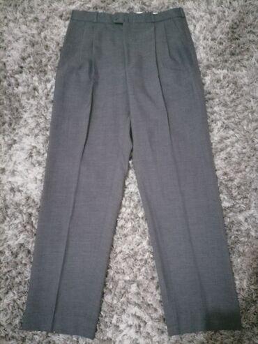 Bez pantalone broj - Srbija: Muske svecane pantalone, broj 42, obim struka 87cm. Bez ostecenja, kao