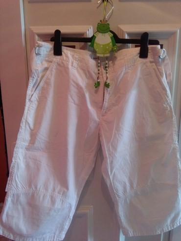 Pantalone-nisu-italiji - Srbija: Pantalone za krupnije dame,nisu nosene,prelep kroj kao cepan materijal