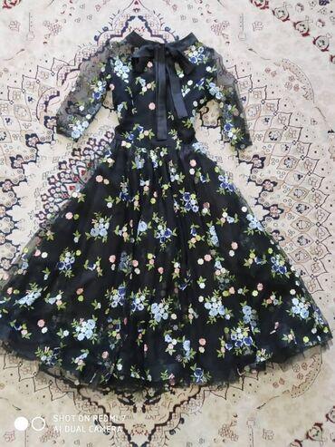 Продаю платье в очень хорошем состоянии, ожевалась только 2 раза