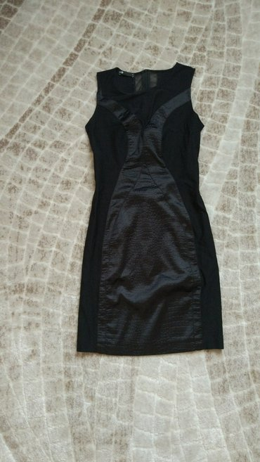 красивое платье, идеально сидит на фигуре. одето 1 раз в Бишкек