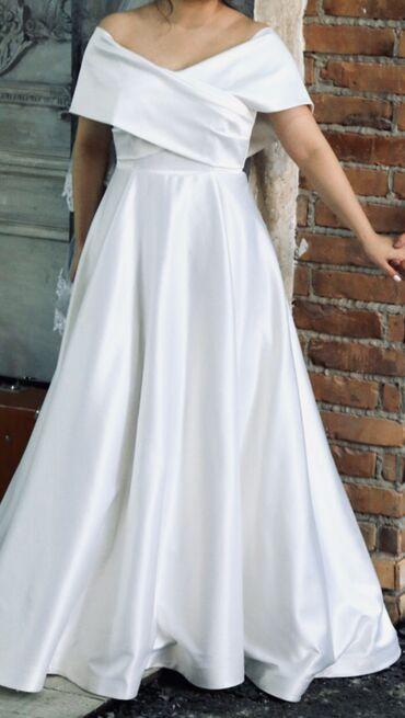 белое атласное платье в пол в Кыргызстан: Белое свадебное платье  Ткань: королевский сатин (люкс)  Размер: m,l Н