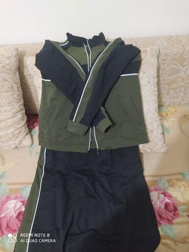 Продаю новую турецкую двойку, низ юбка. Размер L. Покупала в
