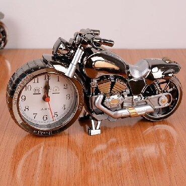 Moto saatlar, gümüşü və qızılı rəngli, ünvan 28May, digər ünvanlara po