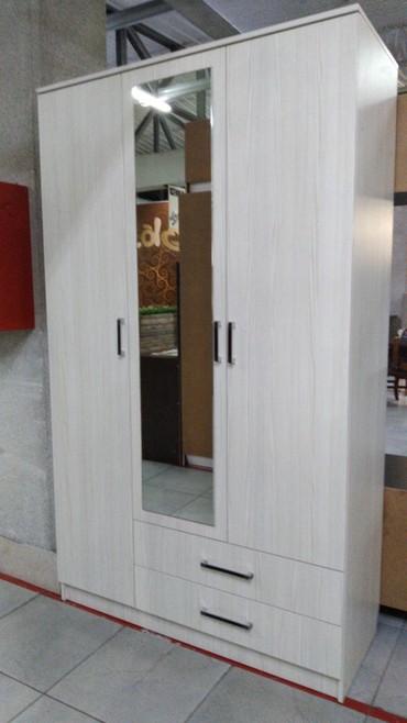 шкаф-3 в Кыргызстан: Продаю 3 дверный шкаф