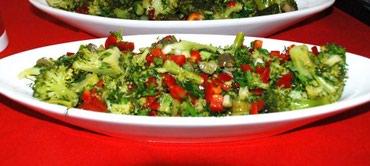 Bakı şəhərində Tecili olaraq seviyyeli ailevi restorana tecrubeli salatci xanim teleb