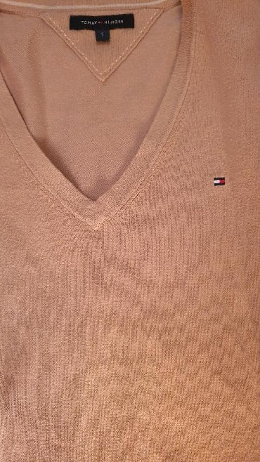 Tommy Hilfiger džemper u odličnom stanju, veličine S, bez oštećenja