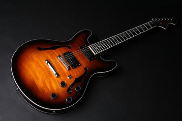 Elektro gitara Tornado Çanta və kabel hədiyyə
