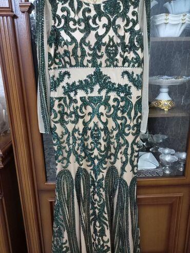 зелёное вечернее платье в Кыргызстан: Вечернее платье,сногшибательное,в пол,у меня рост 167 смс каблуками