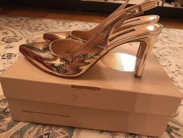 Продаю туфли Италия размер 39 новые золотистые 4500, красные 1800