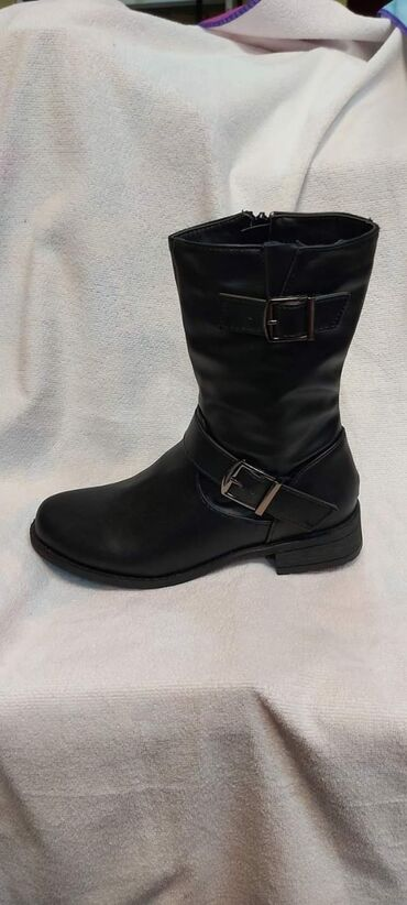 Patike cipele - Srbija: Cizme, patike, cipele Jesen zima 36-41 41-46 Za cene pitati