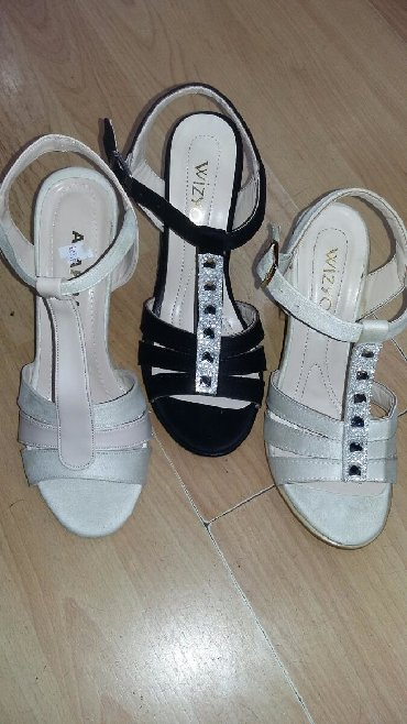 Zenske sandale, neke su poslednje. Za sve informacije, tu sam. Cene od