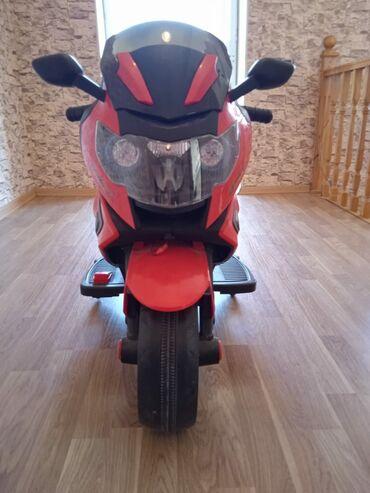 motosklet - Azərbaycan: Motosklet 150 man.Keçən il 300 man alınıb.Təptəzədi.Evdə