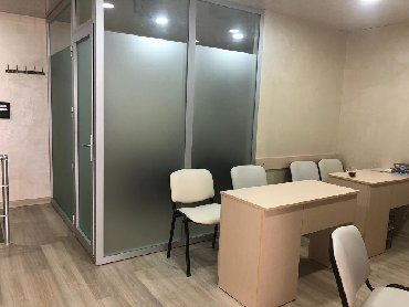 Yasamal r-nu cixariwli temirli Obyekt/Ofis umumi 72m2.1-ci mertebe в Bakı