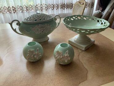 Farfordan dekorativ qablar yenidir.180manata satılır (satışda