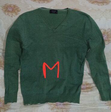 джемпер наволочка спицами в Кыргызстан: Продаю мужские вещи б/у в хорошем состоянии. Для подростков.Зелёный