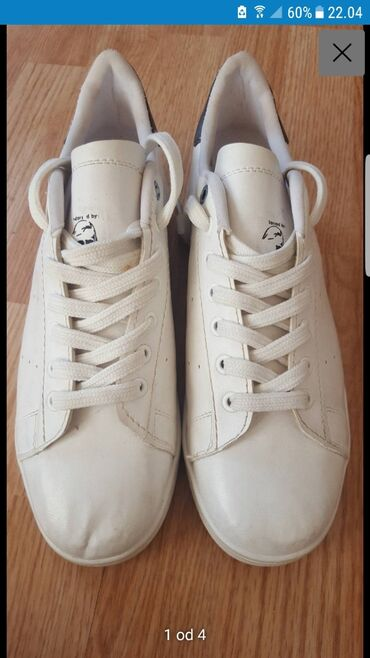 PATIKE adidas stan smith br 43 kalup je veci moze i 44.5 moze dogovor