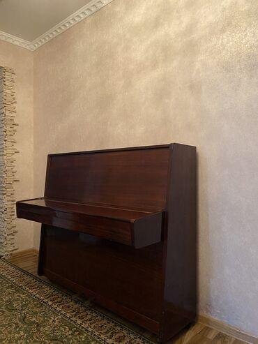 пианино чайка в Кыргызстан: Пианино «ЧАЙКА»  В хорошем состоянии Некоторые клавиши не работают(нуж