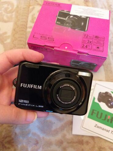 Fujifilm L55 yenidir. 12Mega Pix. Sadece yaddas karti alinib istifade