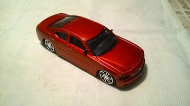 Burago Dodge Charger 1:43, China, Naprsla stakla - Belgrade