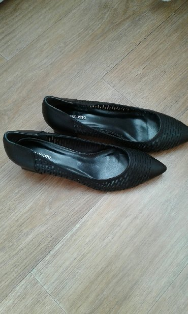 мужские-туфли-бишкек в Кыргызстан: Продаю черные туфли.Новые.Италия.Кожа