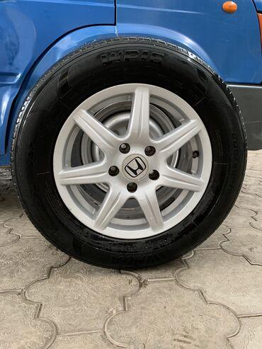 шина 205 65 r15 в Кыргызстан: Четыре диска на летней резине 205/65/R15 на Honda CR-V цена 250$ торг