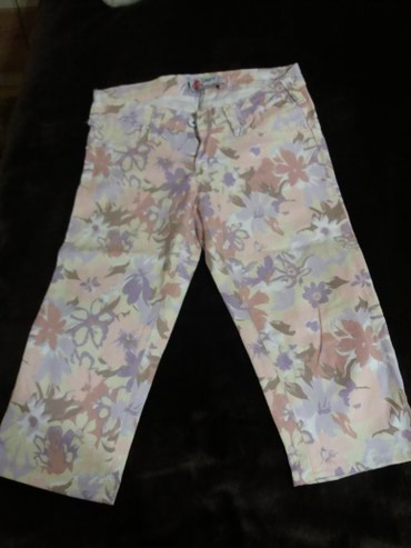 Pantalonice-s - Srbija: Cvetne 3/4 pantalonice