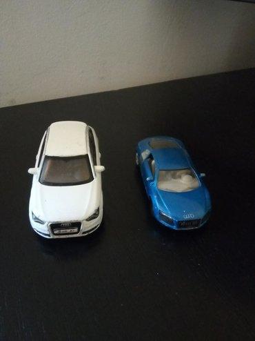 Audi A 1 i Audi er 8.Cena vazi za oba.Moze se kupiti i pojedinacno na