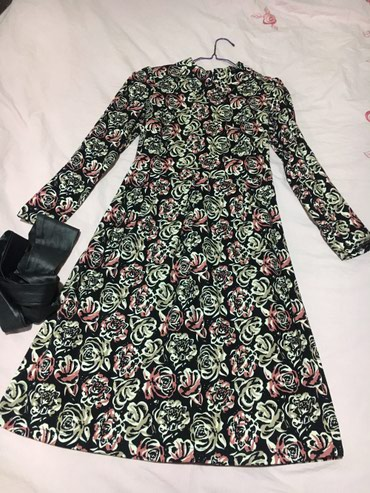 Продаю платье из плотной ткани, длина в Лебединовка