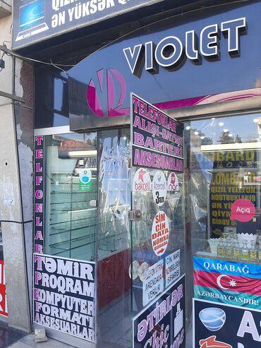 Telefon Vitrini arendaya verilir . Neftçilər metrosunun yanında . 50