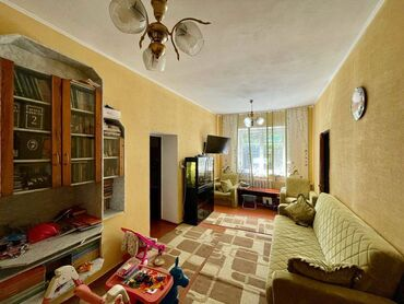 ������������������ ������ �� �������������� в Кыргызстан: 80 кв. м, 4 комнаты, Гараж, Бронированные двери, Забор, огорожен
