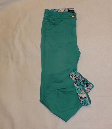 Летние брюки б/у размер S/М длина 7/8 мятного цвета, подворот цветной