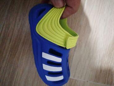 Dečija odeća i obuća - Novi Pazar: Adidas sandale bukvalno nove!!! Br 20
