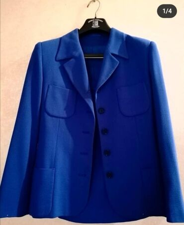 Predivan sako sa suknjom kraljevsko plave boje! Ocuvan maksimalno, ne