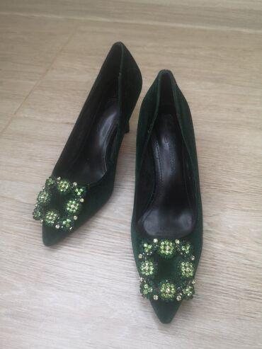 botilony razmer 35 в Кыргызстан: Туфли темно зелёные кожа +бархат одевала один раз 35 размер