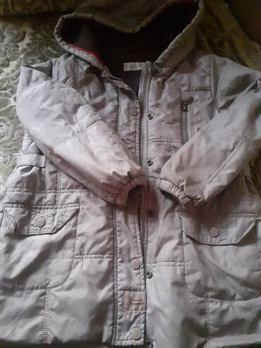 Деми куртка мальчиковой оригинал под.ть 6.7.8лет