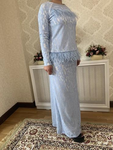 Костюмы - Кызыл-Суу: Продаю костюм юбка кофта, цвет очень красивый ткань приятная