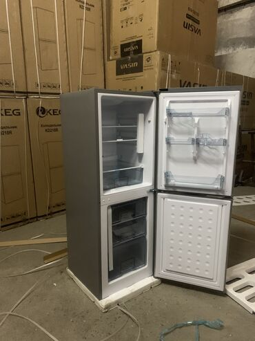 Холодильники - Кыргызстан: Новый Двухкамерный Серый холодильник