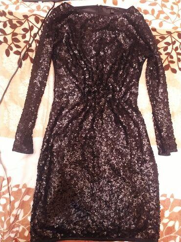 шикарное маленькое черное платье в Кыргызстан: Платье шикарное, спинка полупрозрачная. Надела один раз. Покупала в