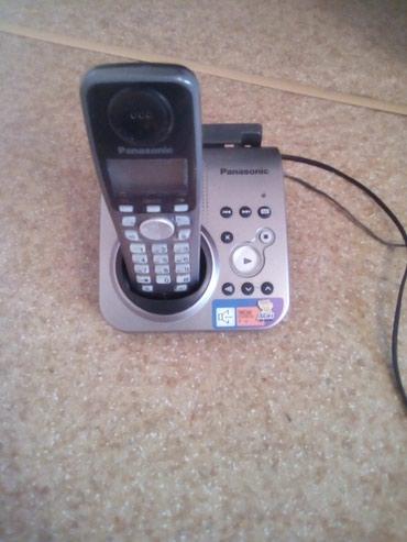 Радиотелефон рабочий. Нужны батарейки и небольшой ремонт трубки. в Бишкек