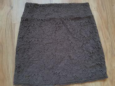 Suknja todor - Srbija: Suknja sa čipkom,ima postavu ispod,nikad nošena,veličina M
