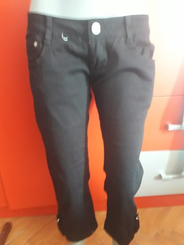 Ženske pantalone | Arandjelovac: Bermude crne nove br.30