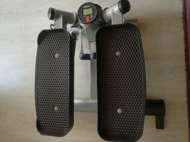 Sport i hobi - Surdulica: Očuvan steper,malo korišćen. Idealan za zatezanje nogu i zadnje lože