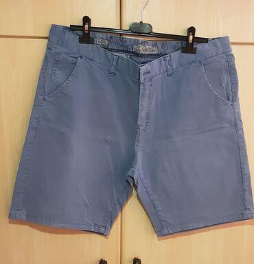 Βερμούδα, size 54, χρώμα : γαλάζιο, καινούρια.Έχει τσέπες στο πλάι και