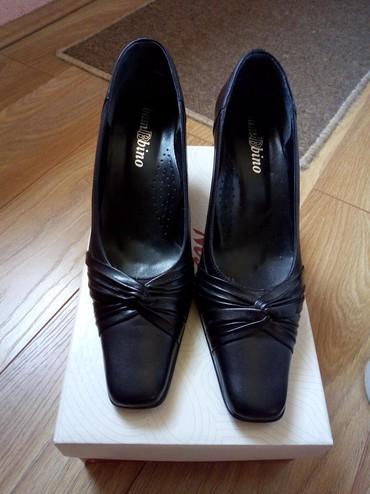 Ženska obuća | Surdulica: Zenske salonke, kozne, broj 38, visina stikle 7cm. Jednom nosene, u