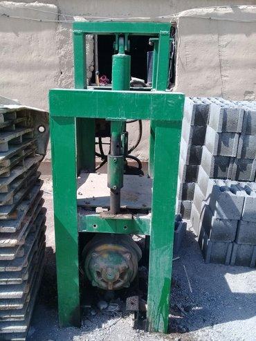 Продаю рубанный станок песко блока в отличном состоянии. в Баткен