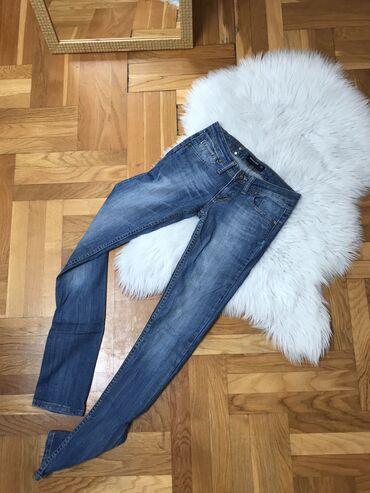 Denistar džins, d napred 17.5 cm, d pozadi 27.5 cm, dužina 105cm, poja