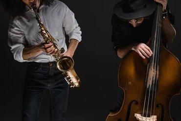 Музыканты Саксофонист и скрипачПрофессиональный cover дуэт