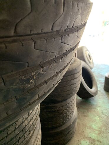 шины диски грузовые в Кыргызстан: Продам 2 шт. Грузовые Шины SAVA размер 385/55/22.5Состояние хорошее