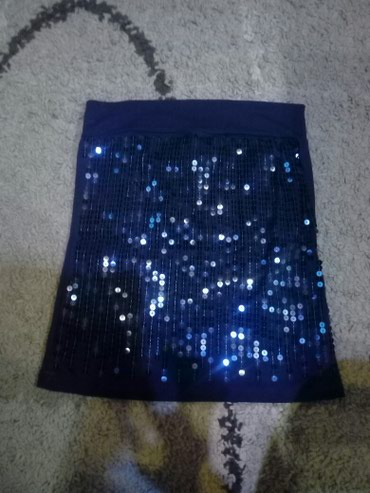 Top boja teget plava,spreda su sljokice,ledja su bez. velicina xs/s - Pancevo